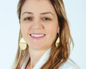 A cirurgiã dentista especialista em ortodontia, Dra. Nathália Brandão