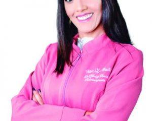 A fisioterapeuta e proprietária da Clínica Fisio Mais, Dra. Gleicy Faria