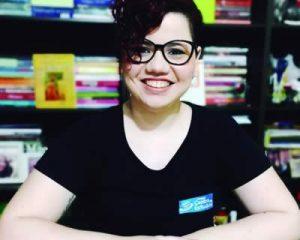 A professora de Língua Portuguesa e Práticas de Leitura e Escrita, Márcia Helena de Sá
