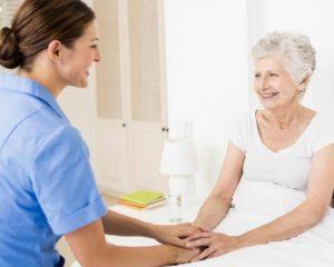 Atenção com os idosos deve ser redobrada na pandemia